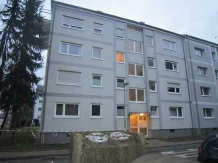 Gut geschnittene Wohnung mit 2,5 Zimmer/ Küche / Bad/ Balkon in der Oststadt