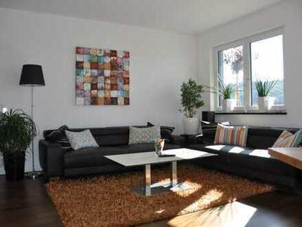 Sonnige 3-Zimmer Penthousewohnung mit Küche und Tiefgarage in Altenstadt/Iller