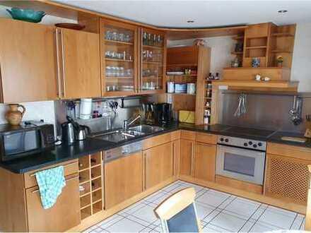 RE/MAX - Wohnung in Schwalbach/Elm - gehobene Ausstattung 5 Zimmer, 2 Bäder, 2 Gäste-WC