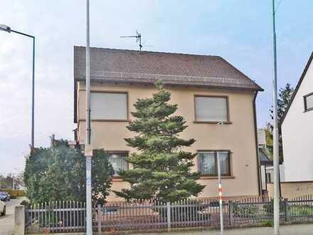 6005 - Freistehendes Einfamilienhaus mit Balkon in Neureut!