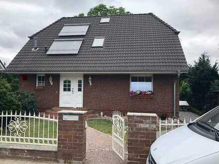 Einfamilienhaus + kleines Wohnhaus in Berlin - Alt-Hohenschönhausen mit viel Potenzial