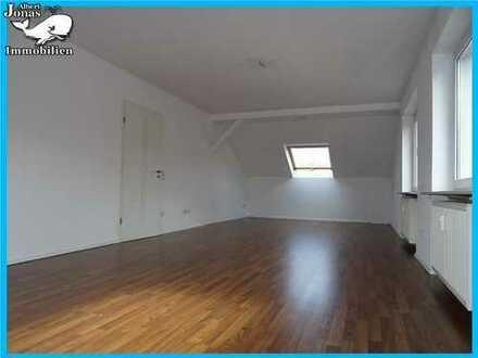 Gelnhausen Meerholz: großzügige 3 Zimmer (DG) Wohnung mit Tageslichtbad......
