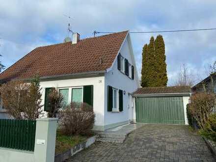 Hübsches, freistehendes Einfamilienhaus mit vier Zimmern in Filderstadt-Bernhausen