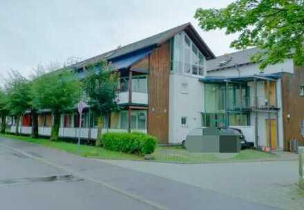 Frei ab November, bahnhofsnahe, provisionsfreie und ausgestattete 1 Zimmer Wohnung in Herrenberg