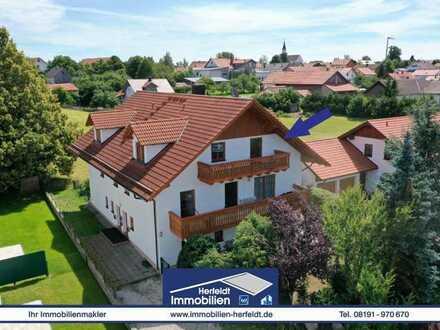 Traumhafte, großzügige Dachgeschosswohnung mit Balkon und Bergblick in schöner Lage