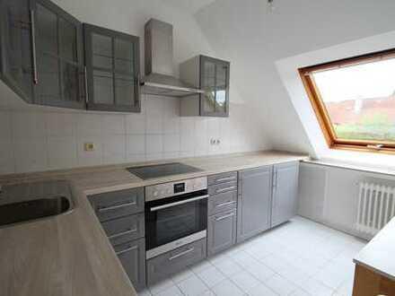 obere Chemnitzer Str. - helle DG-WG mit gr. Wohnflächenfenstern - kompl. saniert