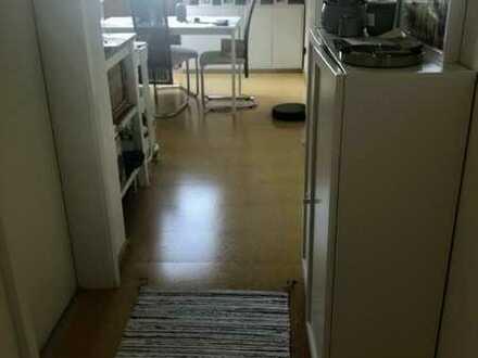 Gepflegte Dachgeschosswohnung mit zweieinhalb Zimmern und EBK in Dortmund