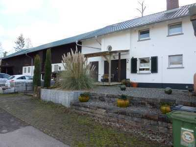 Idyllisch gelegener Reiterhof in Alleinlage