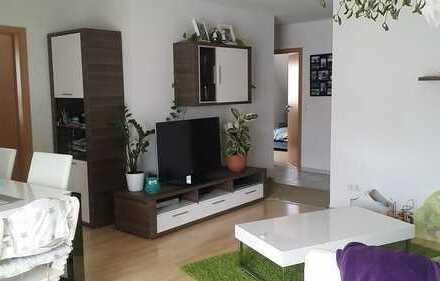 Schöne vier Zimmer Maisonette Wohnung in der Südstadt