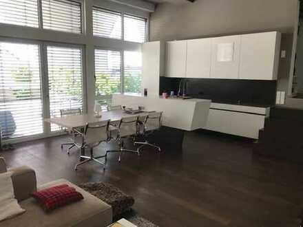 Exklusive EG Loft Wohnung neuwertig, möbliert - 3-Zimmer- mit Terrasse u Garten in Fellbach