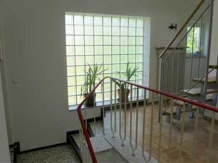 helle, geräumige 5-Zimmerwohnung mit großem Balkon in Heilbronn