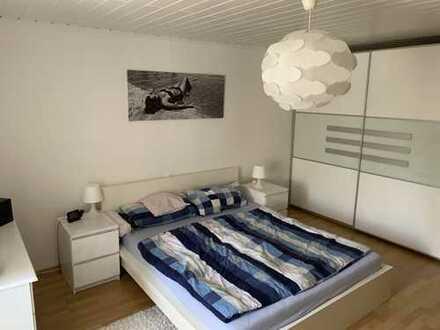 Gepflegte 5-Zimmer-Wohnung mit Balkon und Einbauküche in Karben-Kloppenheim