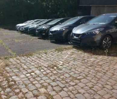 Vermiete PKW Stellplätze Parkplätze 5 Minuten zu Fuß zum Stadtzentrum