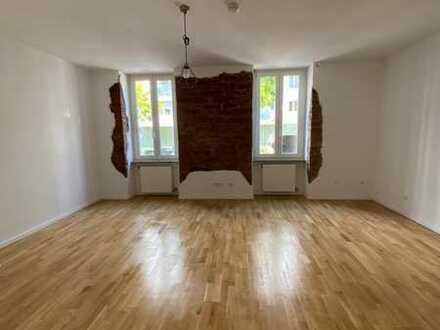 Schöne sanierte 4 Zimmer-Altbauwohnung in der Südweststadt