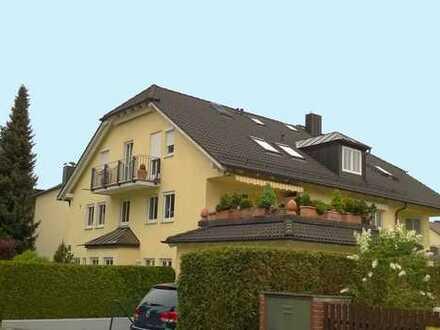 Stilvolle, gepflegte 4-Zimmer-Maisonette-Wohnung mit Balkon und Einbauküche in Obergiesing, München