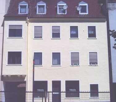 Mehrfamilienhaus mit 6 WHG und 1 Gewerbeeinheit zu verkaufen