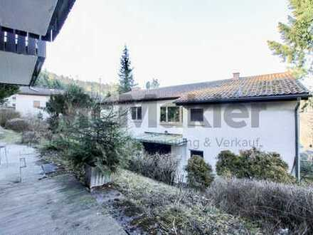 Modern und sicher vermietet: Helles 2,5-Zi.-Apartment mit großer Terrasse und Carport