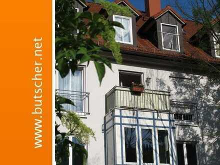 Frei ab November! Wohnung im Zentrum mit Balkon und Tiefgarage!