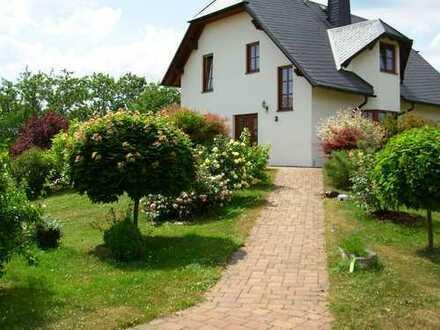 Natur Pur !!! gemütliche 2- Zi. Einliegerwohnung in einem Einfamilienhaus