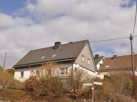 ## Reserviert ## Fellinghausen, großzügiges Wohnhaus in sonniger Bestlage