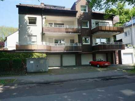 Gepflegte 3-Zimmer-Dachgeschosswohnung mit Balkon und Einbauküche in Schwelm