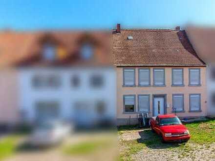 Gepflegtes Zweifamilienhaus zu verkaufen
