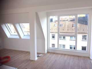 Neu ausgebaute Dachstudio Wohnung in Dortmund / Nähe Westpark (Kurze Str. 15)