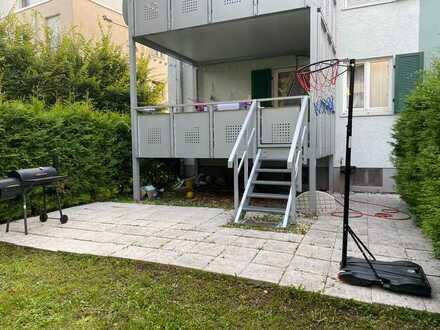 Gepflegte 4-Raum-Wohnung mit Balkon und Einbauküche in Stuttgart