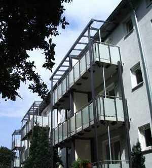 Schöne 2-Zimmer-Wohnung mit großem Balkon im 1. Obergeschoss