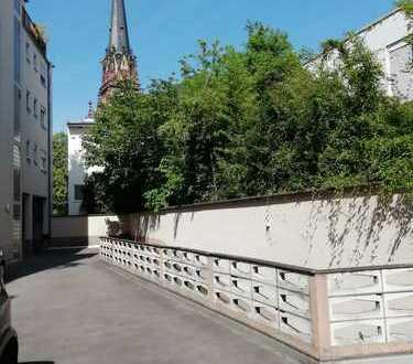 - von Privat - Wohnung an der Dreikönigskirche/Eiserner Steg