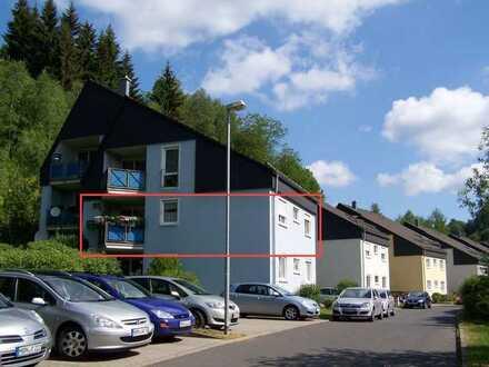 mit FREISICHT! 3-Zi Wohnung im 1.OG m.Balkon // mitten im Grünen zw.Suhl/Schleusingen