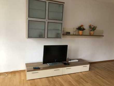 Stilvolle möbilierte 3-Zimmer-Wohnung mit Wintergarten - Maxvorstadt, München