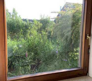 Ruhige, grosszügige 2 Zimmer Wohnung mit idylischer Terrasse
