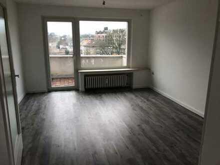 Sanierte 4-Raum-Wohnung in Mülheim-Mitte mit Balkon