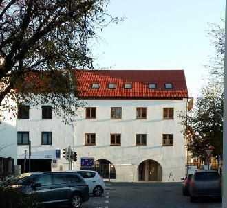 Erstbezug: Sonnige, stilvolle 2-Zimmer-Wohnung mit Balkon in Grafing