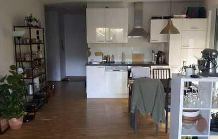 Neuwertige 2,5-Zimmer-Wohnung mit Terasse, Garten und EBK in Würzburg/Heidingsfeld