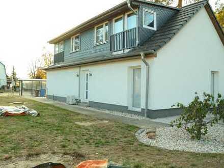 Schönes Einfamilienhaus mit drei bis vier Zimmern in Berlin, Rahnsdorf (Köpenick)