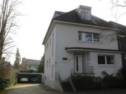 Schöne, helle Wohnung mit Einbauküche, Echtholzparkett, Dachterasse und Carport in Gremmendorf