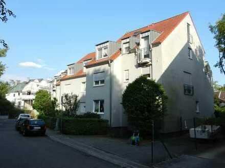 4 Zimmerwohnung mit Terrasse und Garten