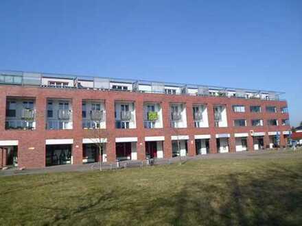 ** Helle und gepflegte 4-Zimmerwohnung mit sehr großen Balkon/Loggia u. EBK - Bes. So. 22.09.19 **