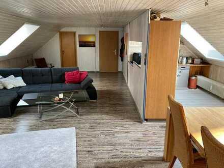 2-Zimmer-Dachgeschosswohnung mit EBK in Billigheim-Ingenheim