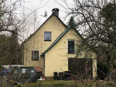 renovierungsbedürftige Einfamilienhaus in Altbernsdorf