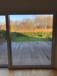 Exklusive, neuwertige 3-Zimmer-Terrassenwohnung mit 2 Terrassen, Garten u. EBK in Kelkheim-Fischbach