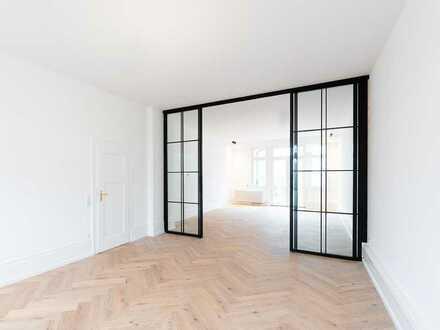 DIPLOMATENVIERTEL: Hochwertig Sanierte 5 Zi. Wohnung direkt am Palmengarten, 3 Balkone & 3 Bäder