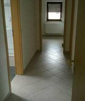 gepflegte Single-Dachgeschoss-Wohnung in Abensberg/Offenstetten