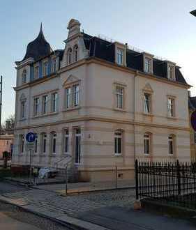 Attraktive 4-Zimmer-Erdgeschosswohnung mit Balkon und Einbauküche in Radeberg