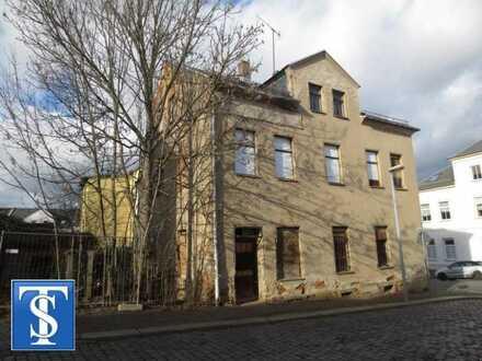 Unsaniertes Zwei- bis Dreifamilienhaus wartet auf Sanierung in Plauen (Ostvorstadt)