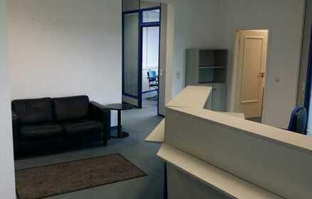 Großes helles, barrierefreies Büro mit Fahrstuhl zu vermieten