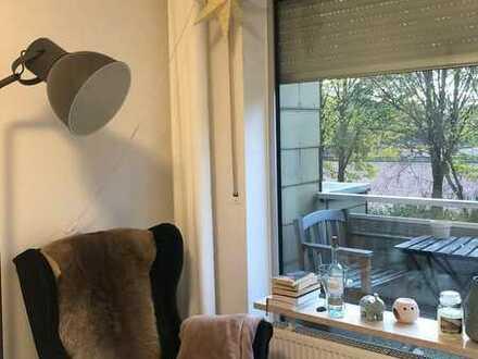 WG-Zimmer mit eigenem Balkon und WG-Jeföhl