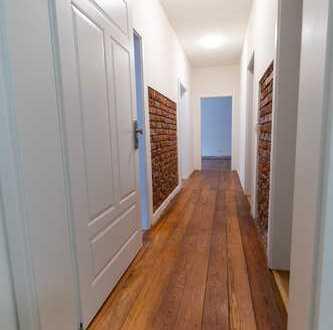 Erstbezug nach Sanierung: attraktive 5-Zimmer-Wohnung mit Einbauküche und Balkon in Baden-Baden